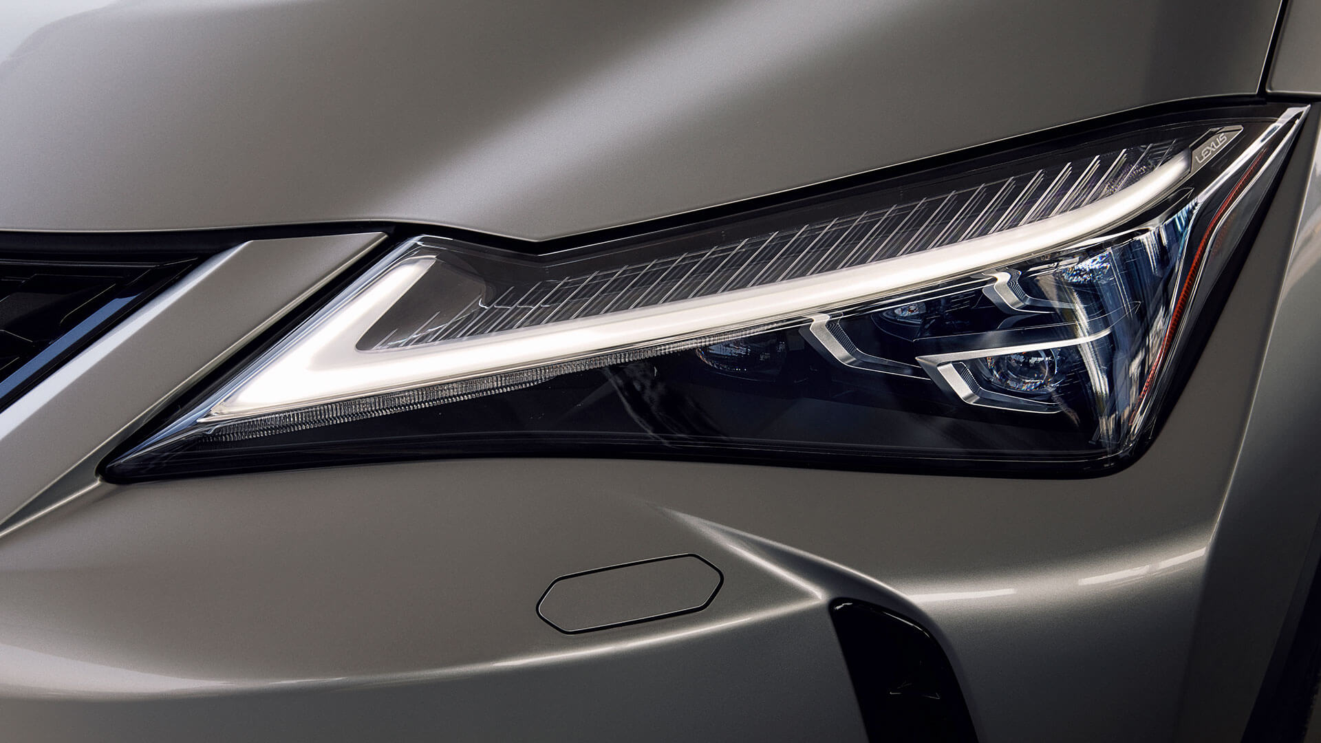 2018 lexus ux ru triple led headlights